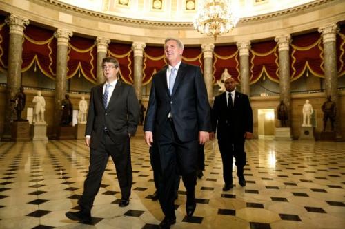 美国国会两党对峙继续政府面临关门危机(图)