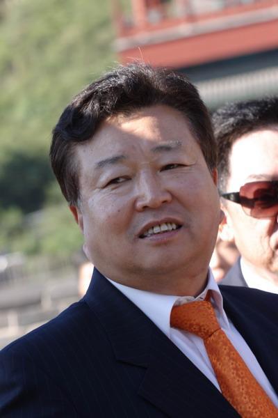 胡润富豪榜第六位:华彬集团董事局主席严彬