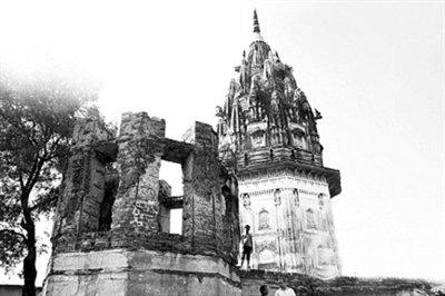 印度预言家称国王托梦地宫藏千吨黄金 政府开挖