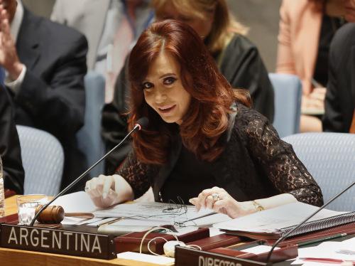阿根廷总统将手术治疗脑部血肿或引发政治困局