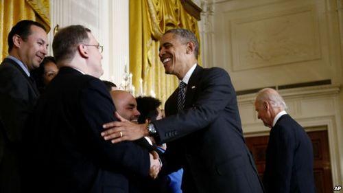 奥巴马敦促国会通过移民改革法称有利经济(图)