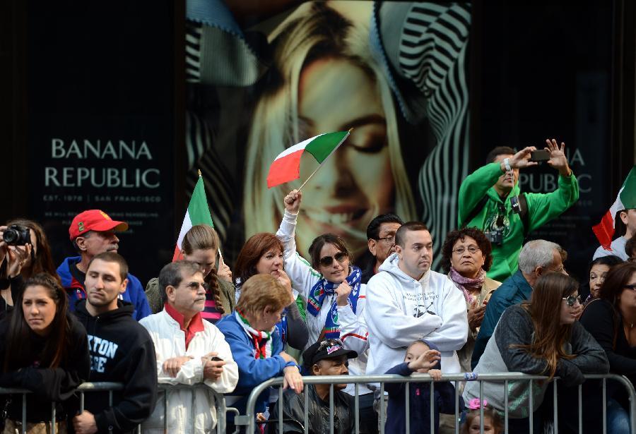 (国际)(1)纽约举行哥伦布日游行