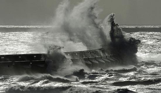 俄圣彼得堡将遭强飓风袭击涅瓦河水位或升2米