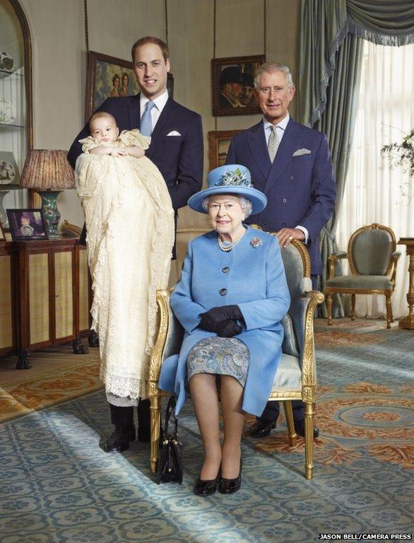 英国小王子受洗照流出四世同堂皇室香火旺(图)