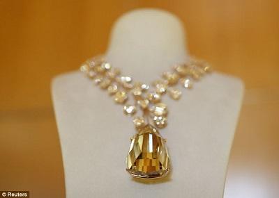 天价黄钻项链获评全球最贵原石曾被当垃圾(图)