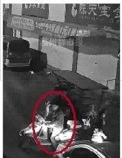 红圈处为犯罪嫌疑人 监控截图