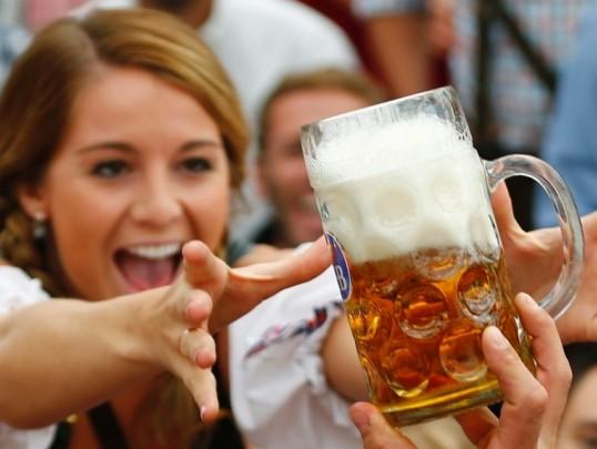 德国慕尼黑啤酒节游客超640万共喝啤酒670万升