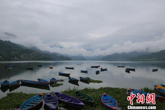 尼泊尔一架微型飞机坠毁一名中国游客证实遇难