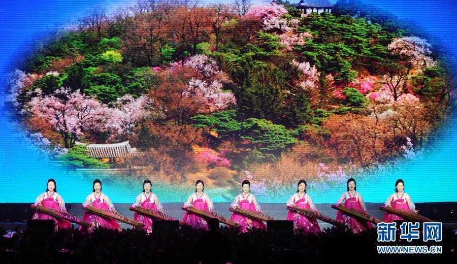 (文化)(3)朝鲜国立民族艺术团访华大型文艺演出在丹东举行