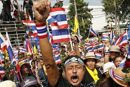 泰国反政府抗议不断升级抗议者号召全国响应