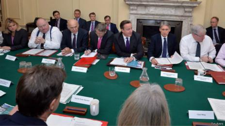 英国内阁会议严禁使用平板电脑避免遭监听(图)