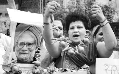 阿联酋《国民报》称,洋葱价格已让印度头疼,火星任务对印度实在是太艰巨了。