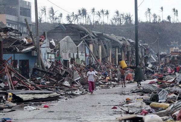 """联合国启动紧急行动应对台风""""海燕""""所致严重破坏"""