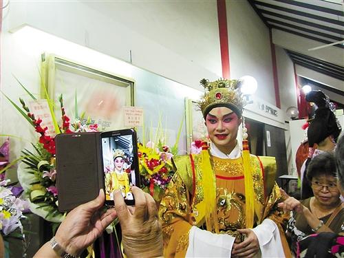 狮城戏迷盛赞南宁粤剧