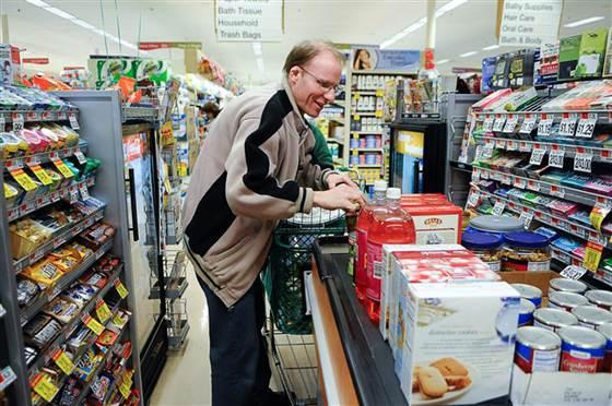 美国男子坚持28年感恩节为陌生人准备大餐(图)