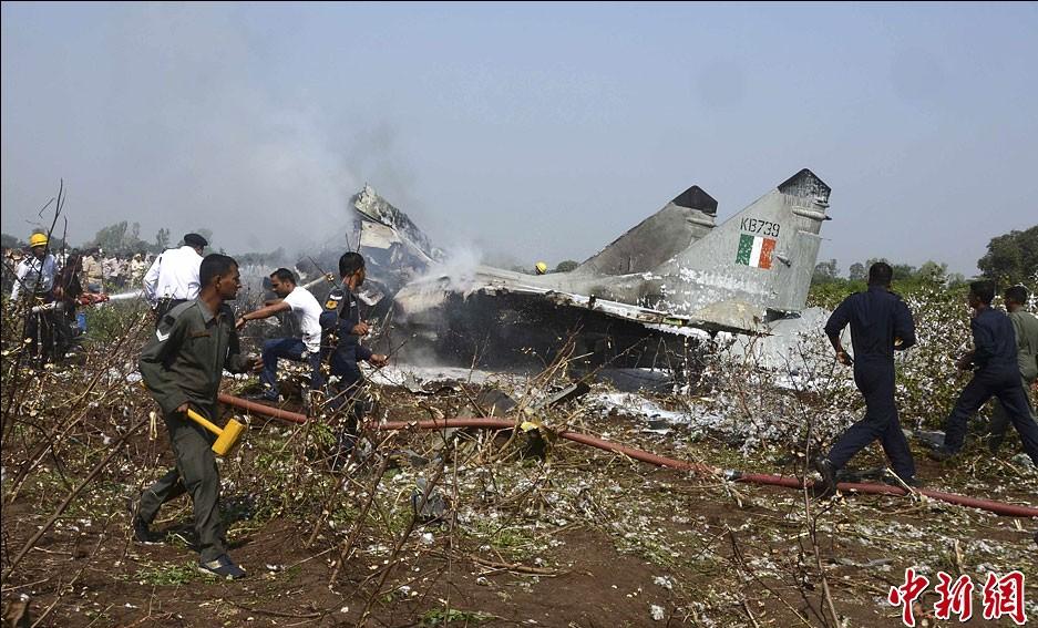 印度空军一架米格-29战斗机坠毁 飞行员跳伞逃生