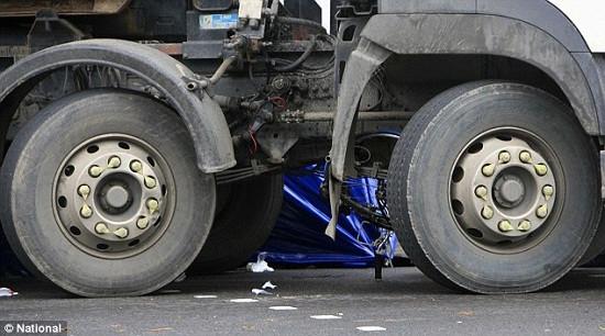 伦敦六旬老者骑车撞卡车致死司机未被捕(图)