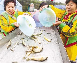 市民参与环保热情渐高,为海岛养海护生起到了很好的作用。