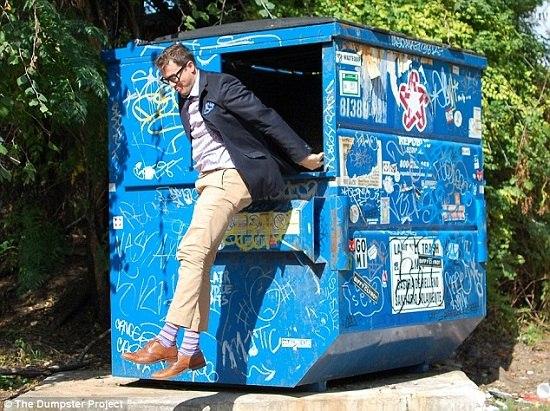 美国教授将入住垃圾箱一年箱内设浴室空调(图)