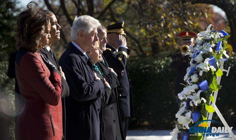 奥巴马和克林顿一起携夫人缅怀肯尼迪并献花圈