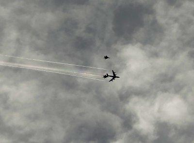 奥巴马访好莱坞小飞机闯禁航区遭战机拦截(图)