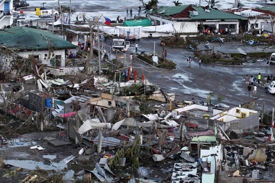 菲律宾灾情十分严重,已引起国际社会的极大关注。