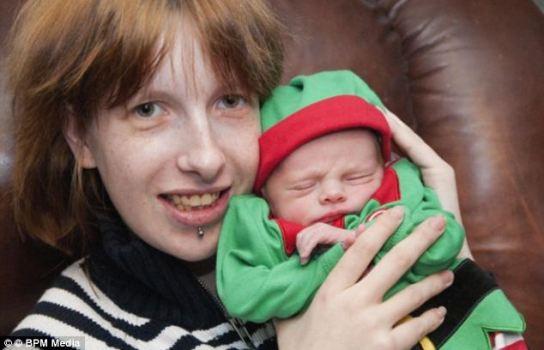 吹嘘宝宝强壮英国孕妇用铁锤捶肚震惊网络(图)(4)