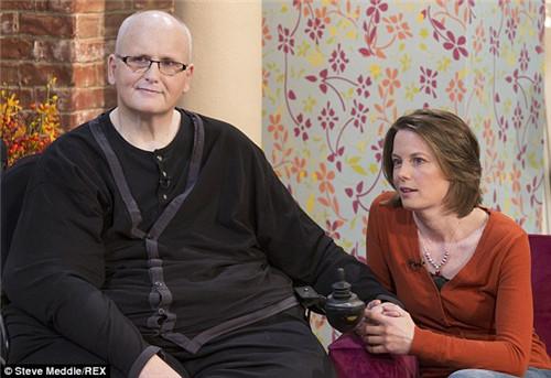梅森在节目中表示,打算搬到美国与丽贝卡一起生活。