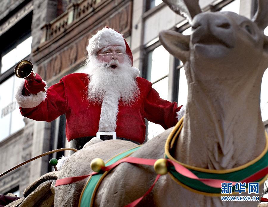 (国际)(3)加拿大蒙特利尔举办圣诞巡游