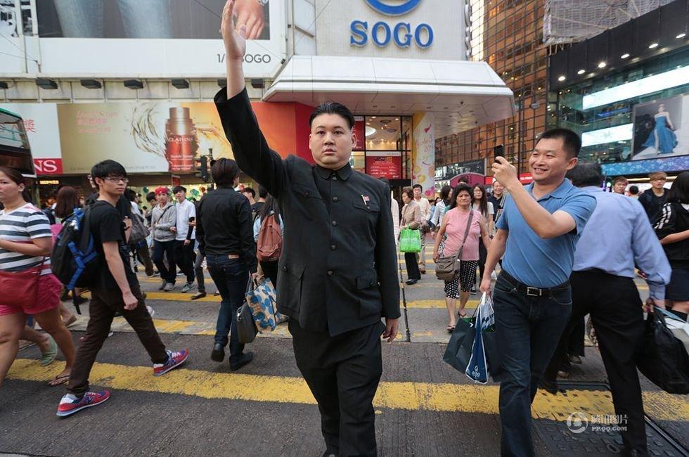 组图:香港男子模仿金正恩成特型演员