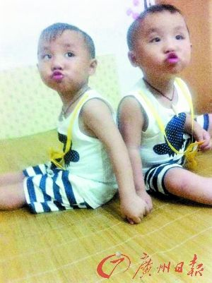 双胞胎男童身亡