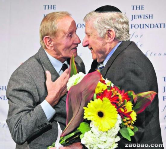 纳粹屠杀幸存者70年后与恩人重逢感慨万千(图)