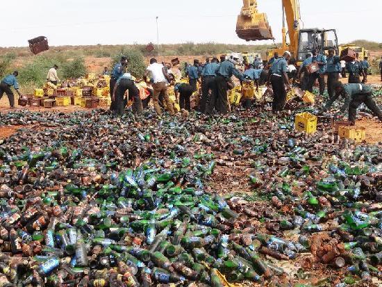 维护伊斯兰教法 尼日利亚销毁24万瓶啤酒蔚为壮观