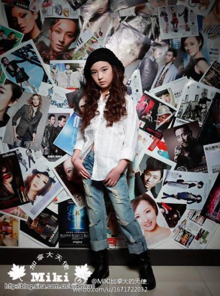 张木易与12岁的小嫩模相恋AKAMAMIKI少儿萝视频海量v少儿足球图片