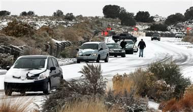 感恩节将至美国遭暴风雪袭击已致13人死亡(图)