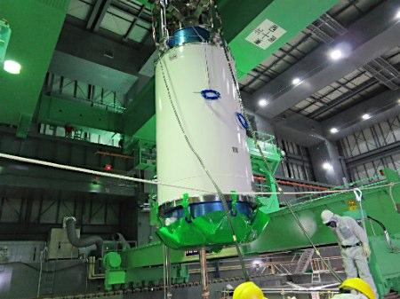 日本福岛核电站4号机组燃料棒开始移出(图)