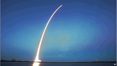 美国民企首次发射地球同轨卫星进入商业领域
