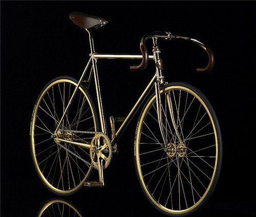 每一辆自行车都是工厂工人用纯手工打造。