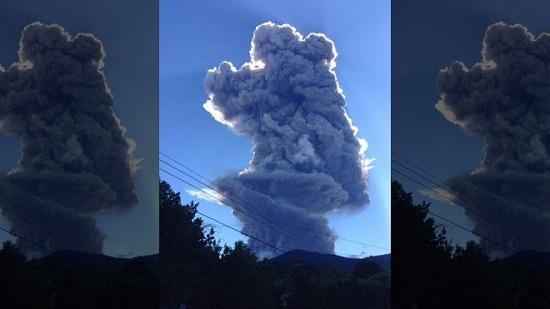 萨尔瓦多东部的圣米格尔火山当地时间29日喷发,喷出冲霄而起、高达5千米的烟柱