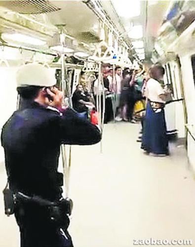 男子扮日本武士持刀闯地铁被捕正接受精神评估