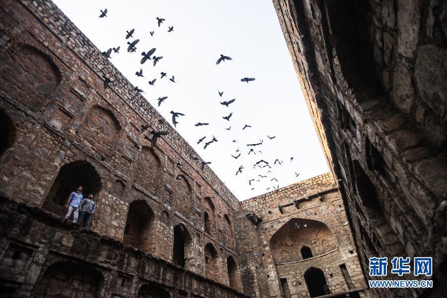(国际)(2)探秘印度新德里古老的阶梯井