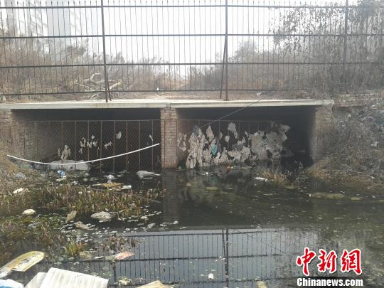 河南商丘一开发商填平泄洪河水务局称不知情(图)