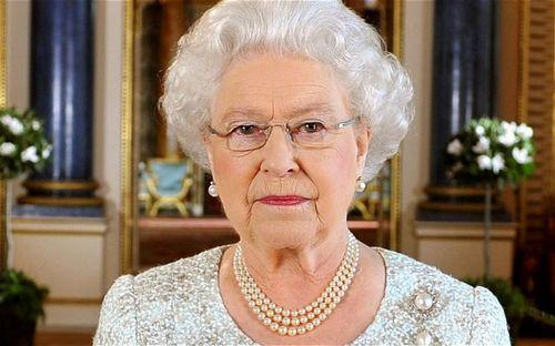 坚果被巡警偷吃英国女王震怒在碗里做记号(图)