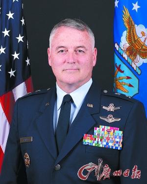 """美国将军访俄遭""""色诱""""因行为不当被解除职务"""