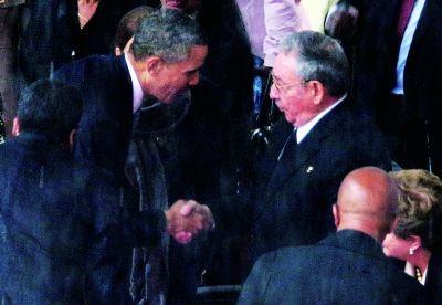 球场握手奥巴马被亮黄牌