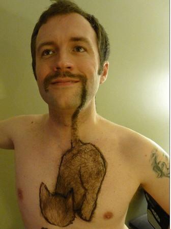 """胡子和胸毛""""大串连""""男子身上现""""猫须图"""""""