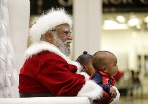 黑人扮圣诞老公公赢童心洛杉矶商场红10年(图)