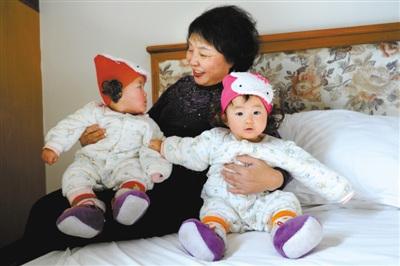 安徽60岁失独老人再生双胞胎:孩子让我活下去(图)