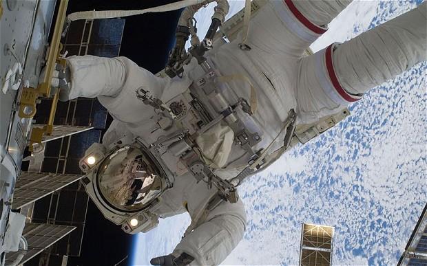 NASA下令进行紧急太空行走 抢修空间站冷却泵