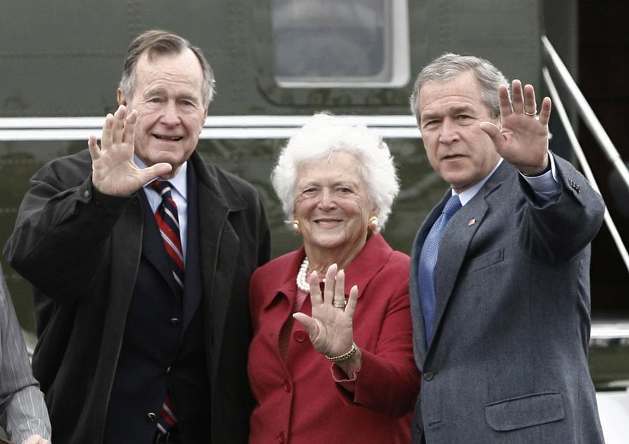 老布什夫妇69年相濡以沫 多些调侃系婚姻长久秘诀